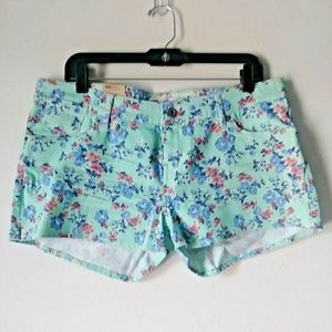 Levi's Women 17 New with Tag Short Short Blue